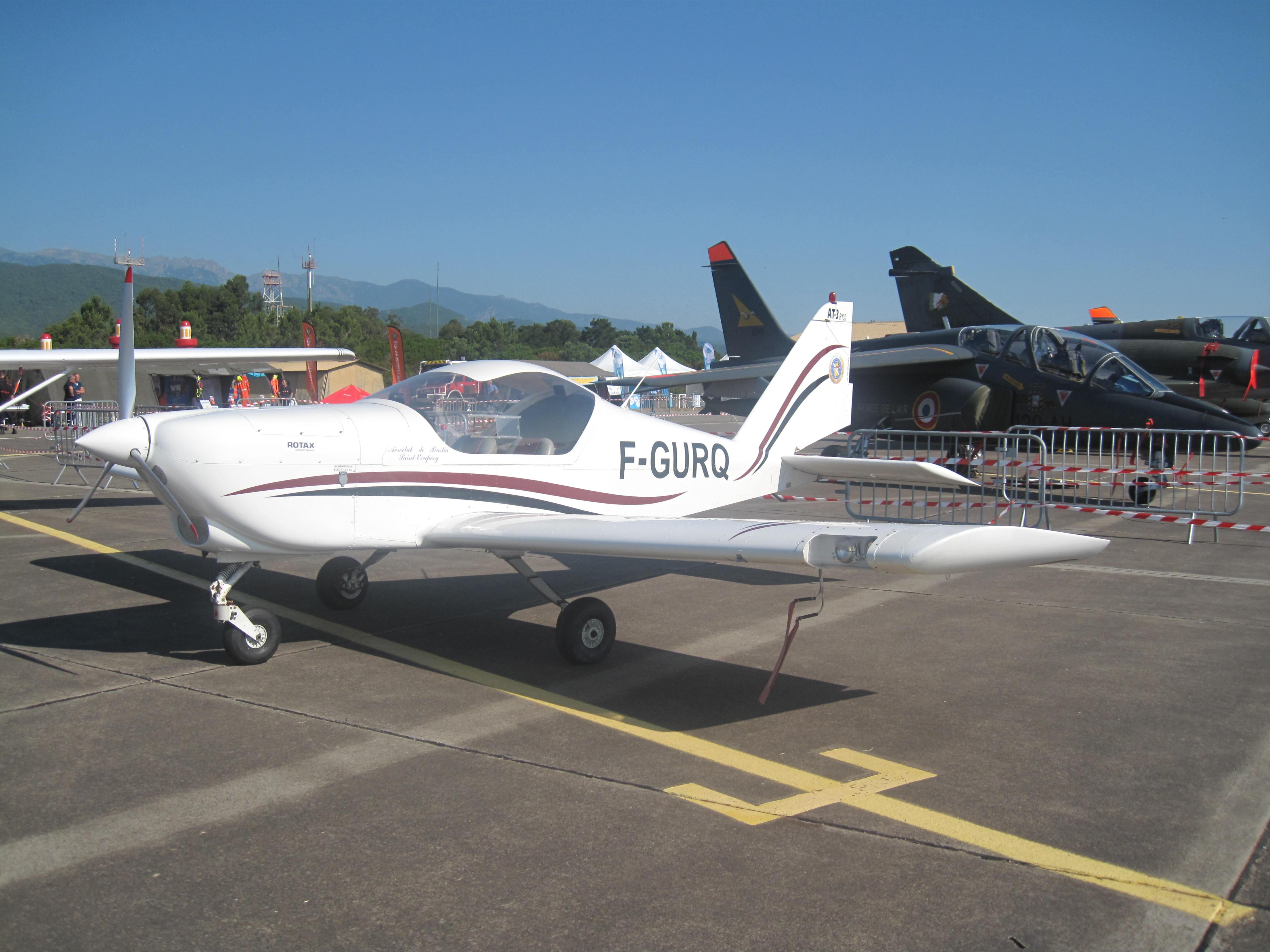 Nos avions ont fière allure sur un parking bien fourni!